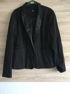 Schwarze Jacke von Pimkie