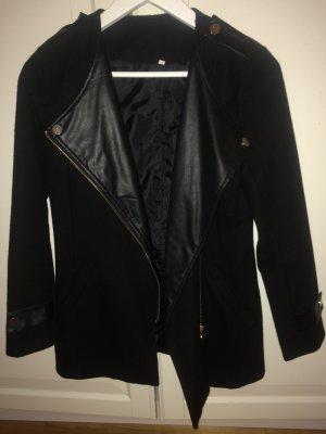 Schwarze Jacke von SheIn