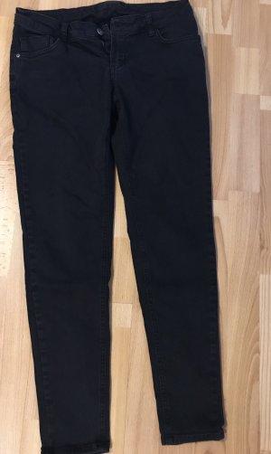 Schwarze Jeans, Gr. 38