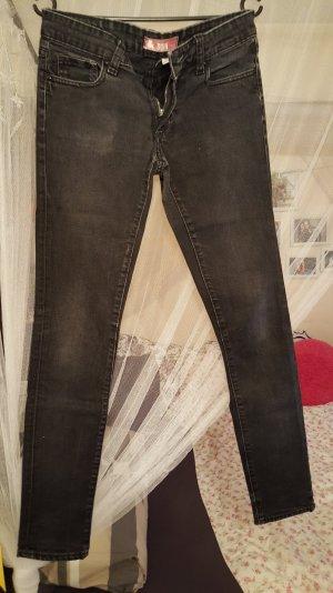 Schwarze Jeans Größe 28