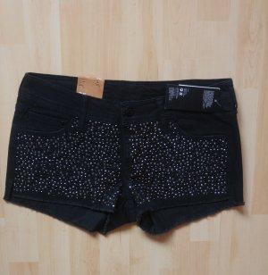 Schwarze Jeans Hotpants mit Nieten NEU