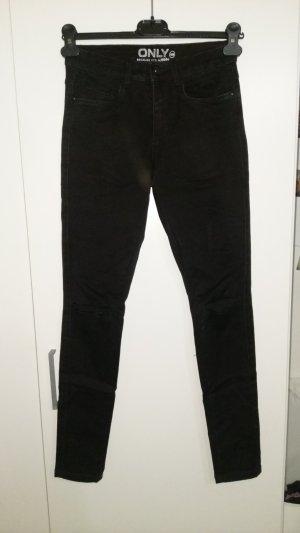 Schwarze Jeans mit Cutouts an den Knien