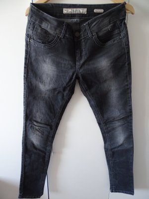 Schwarze Jeans mit heller Waschung gr.38
