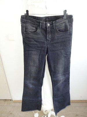 schwarze Jeans mit schlag 7/8 länge usedlook