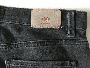 Schwarze Jeans von Cerutti 1881