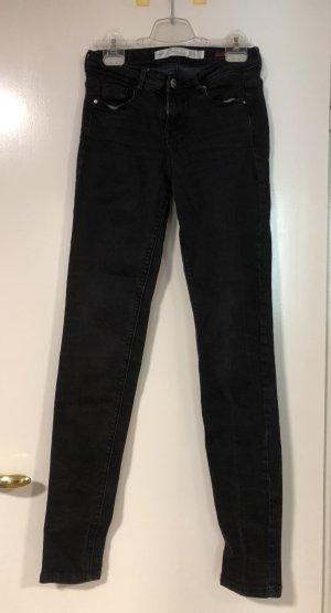 Schwarze Jeans von Zara Trafaluc