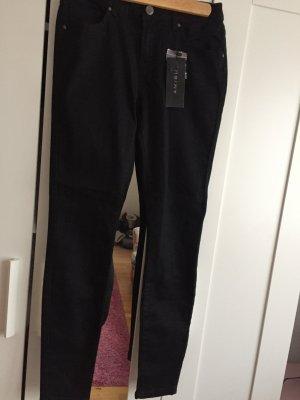 Schwarze Jeanshose von Amisu