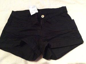 Schwarze Jeansshort ungetragen