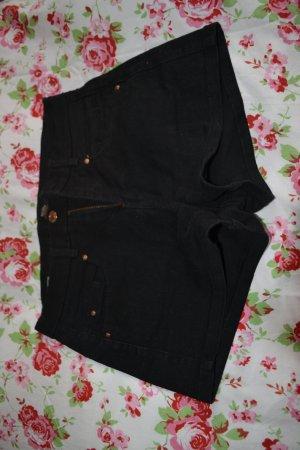 schwarze Jeansshort von Bershka