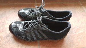 Schwarze K-Swiss Sneaker!