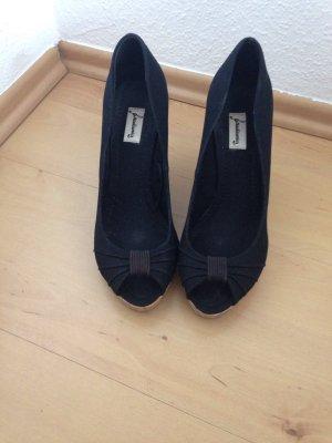 schwarze Keilabsatz Sandalen / Wedges / Peeptoes, schwarz, Gr. 41, Stradivarius