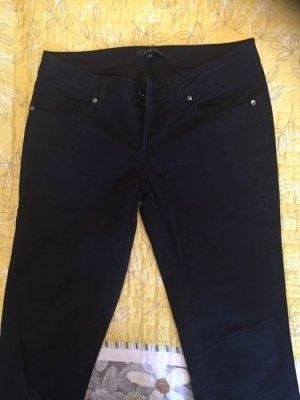 Schwarze klassische Hose - neu