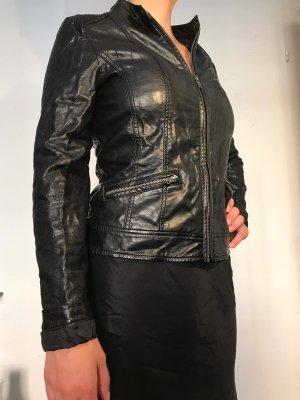 Schwarze, klassische Lederjacke von Pimkie