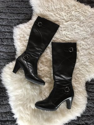 Schwarze kniehohe Stiefel