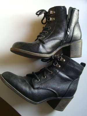 schwarze Kunstleder Schnürstiefeletten