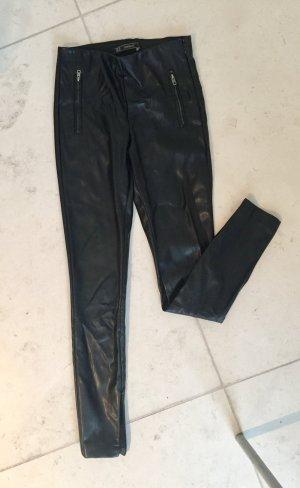 Schwarze Kunstlederleggins von Zara in Größe XS