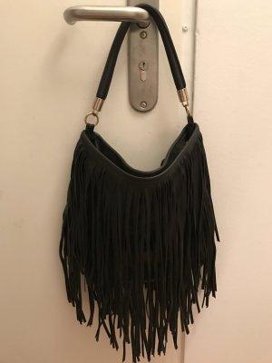 Schwarze Kunstledertasche mit Fransen