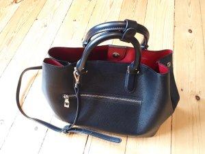 Schwarze Kunstledertasche von Zara