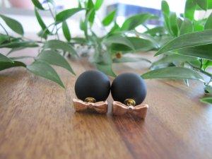 Schwarze Kunststoff Perlen Ohrringe Perlenohrringe schleife roségold neu