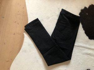 Pantalón pirata negro