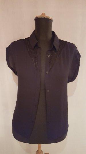 schwarze Kurzarm-Bluse