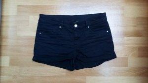 schwarze kurze Hose, Hotpans, Jeansshorts in Gr. 36 von H&M