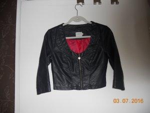 schwarze kurze Lederjacke