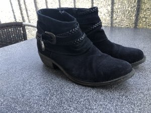 schwarze kurze Stiefel