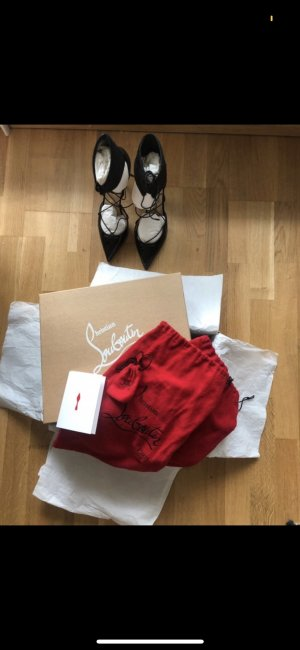 Schwarze Lack Christian Louboutins high heels Special Edition
