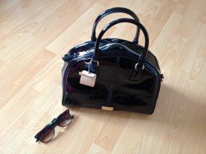 Schwarze Lack-Handtasche von Bata, NEU