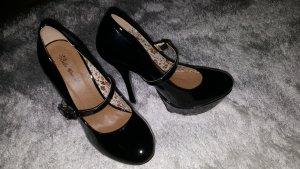 Schwarze Lack High Heels