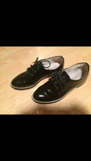 Schwarze Lack Schnür-Loafer Topshop