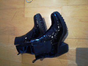 schwarze lack Stiefelette aus Leder