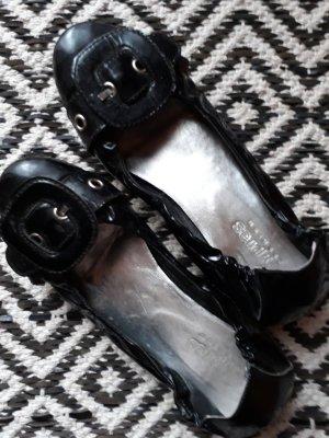 schwarze Lackballerinas von Cypres