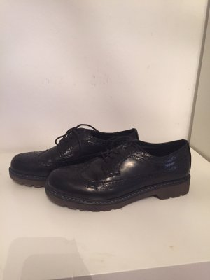 Graceland Wingtip Shoes black