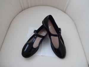schwarze Lackschuhe mit riemchen neu