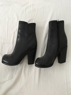 5th Avenue Boots black