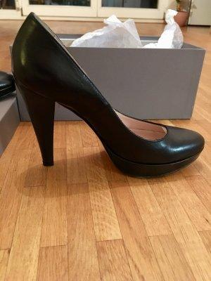 Schwarze Leder High Heels (Größe 38)