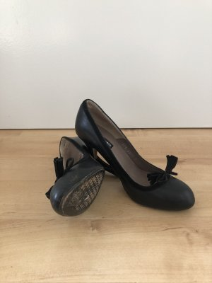 Som Mits High-Front Pumps black leather