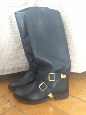 Schwarze Leder Stiefel mit goldener Schnalle von Pull & Bear, Gr. 37