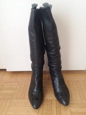 Schwarze Leder-Stiefel mit Raffung, von Buffalo, Gr. 41/42