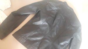 Schwarze Lederjacke Größe 40
