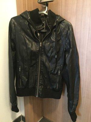 schwarze Lederjacke Größe M