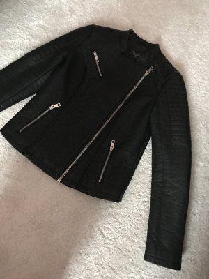 Schwarze Lederjacke (kein echtes Leder)