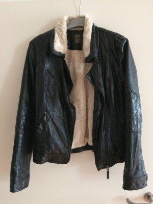 Schwarze Lederjacke mit Kunstfell von Vero Moda | Gr. M