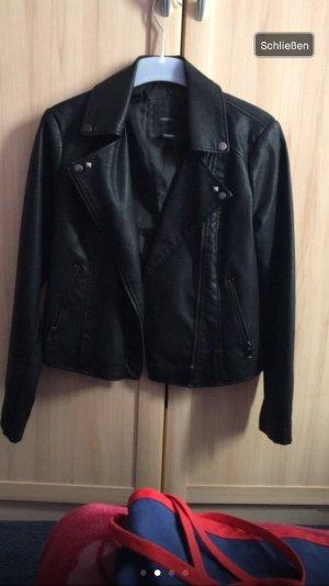 Schwarze Lederjacke von Forever 21