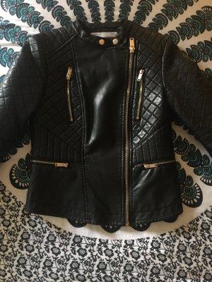 Schwarze Lederjacke von Pull&Bear
