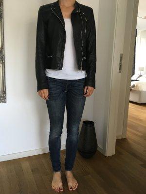 Schwarze Lederjacke von Zara