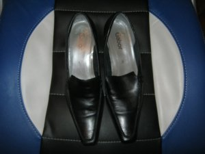 schwarze Lederpumps Größe 39