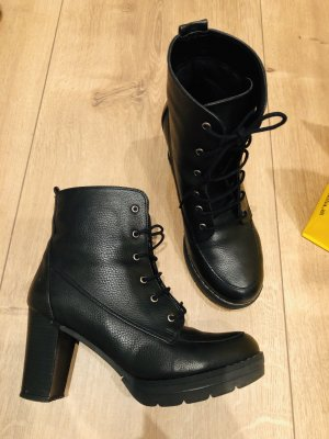 Schwarze Lederstiefel
